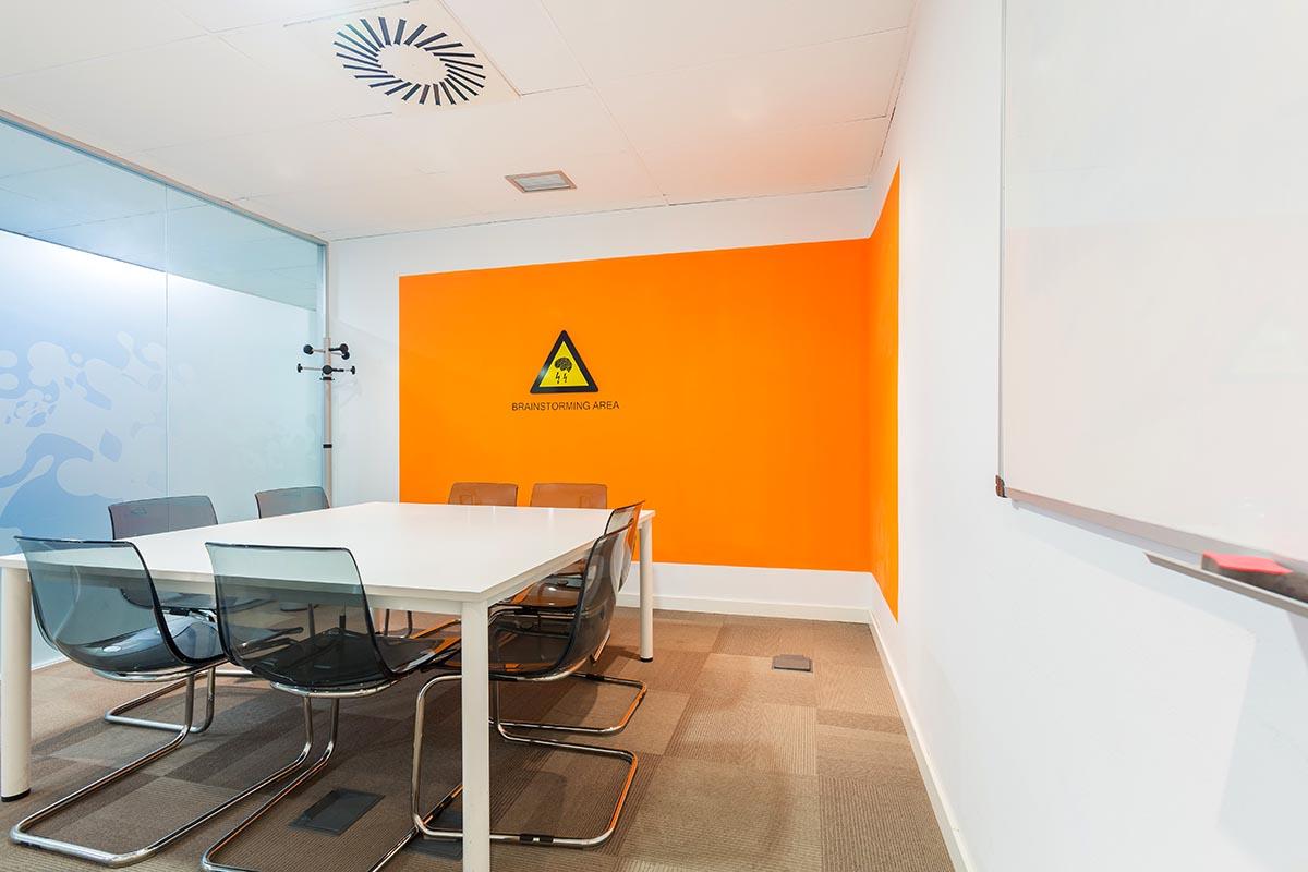 Sertram Meeting Room (2)